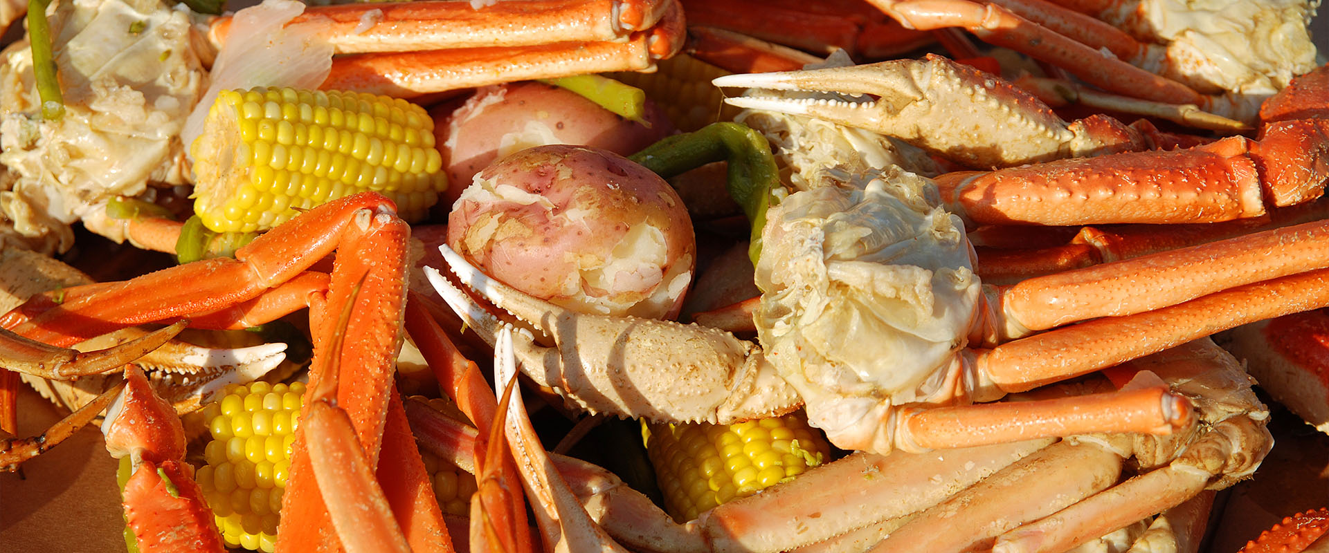Crab, potatoes and corn
